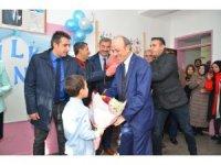 Başkan Öztürk öğrencilerin karne sevincini paylaştı