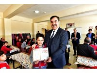 Ahlat'ta 10 bin 340 öğrenci karne aldı