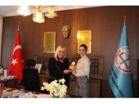 Türkiye'nin en genç yazarı Demiriz'den öğrencilere yazarlık dersi