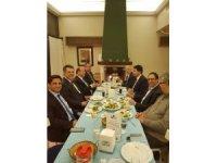 Efeler ve Söke Belediye Başkanları DP Genel Başkanı ile Kuşadası'nda yemekte görüntülendi