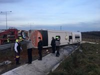 İstanbul'da yolcu otobüs devrildi: 6 yaralı
