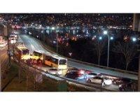 Haliç'te sürücülerin yol verme inadı kazaya neden oldu