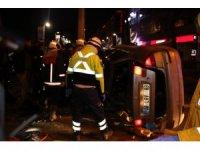 Otomobil takla atıp polis araçlarına çarptı: 3 yaralı
