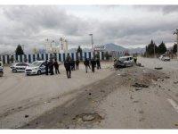 Denizli'nin Merkez Efendi ilçesi Hacı Eyüplü Mahallesi'nde çöp toplama kamyonuyla devriye gezen polis aracı çarpıştı. Kazada polis aracındaki polisler yaralandı. Yaralanan polisler, sağlık ekiplerince hastaneye götürüldü.