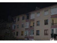 Başkent'te bir apartmanda yangın çıktı: 1 yaralı