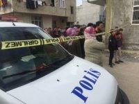 Çocuğunun gözü önünde eşini bıçaklayarak öldürdü, sokaktaki tüm kadınları ağlattı