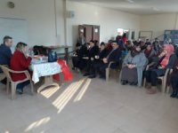 MHP Kadın Kollarından anlamlı konferans