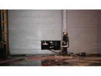 Ankara'da oto tamir dükkanında yangını