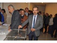 AK Parti Kırkağaç İlçe Başkanı Kılınç ve yönetimi istifa etti