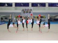 Ritmik Cimnastik Büyüler Milli Takımı Mersin'de kampa girdi