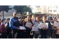Antalya polisi, karne törenlerinde öğrencileri yalnız bırakmadı