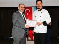 İşbaşı Eğitim Kursları'na katılan turizm sektörü çalışanları sertifikalarını aldı