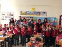 Erzincan Barosundan minik öğrencilere hediye