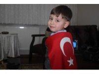 Okumayı öğrenmeden İstiklal Marşı'nın 10 kıtasını ezberledi
