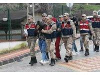 Hatay sınırında 8 insan kaçakçısı adliyede