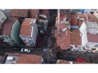 Fatih'te çöken binanın enkazı drone ile görüntülendi