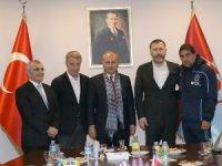 Ulaştırma ve Altyapı Bakanı Cahit Turhan'dan Trabzonspor'a ziyaret