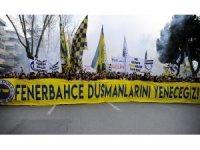 Fenerbahçeli taraftarlar TFF'ye tepki için yürüdü