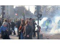 Sarı Yelekliler 14'üncü kez sokaklarda