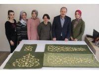 Şehzade Selim'in puşidesi 3 ayda 500 bin ilmek atılarak tamamlandı