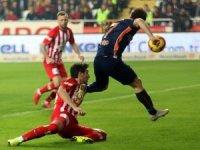Spor Toto Süper Lig: Antalyaspor: 0 - Medipol Başakşehir: 1 (Maç sonucu)