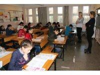 Diyarbakırlı öğrenciler Nesibe Aydın Okulları'nın sınavına akın etti