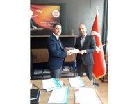 AK Parti adayların listesini seçim kuruluna teslim etti