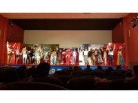 Alaşehir Belediyesi 5 bin vatandaşa ücretsiz tiyatro keyfi yaşattı