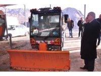 Tosya Belediyesi'ne 3 araç hibe edildi