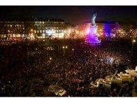 Fransa, Yahudi düşmanlığına karşı yürüyor