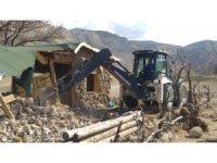 Kapadokya'da yıkımlar devam ediyor