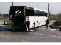 Yolcu otobüsü alev aldı, sürücü faciayı önledi