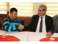 Zihinsel engelliler dernek üyeleri Demirkol'u ziyaret etti