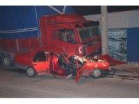 İzmir'de trafik kazası: 1'i ağır 2 yaralı