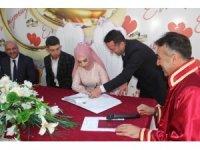 Vali Çağatay, genç çiftin nikahını kıydı