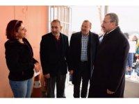 İsmail Erdem CHP standını ziyaret etti