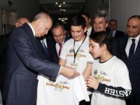 Cumhur'un adayı Şirin Cumhurbaşkanı Erdoğan'la