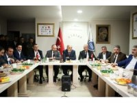 """İsmet Yıldırım: """"CHP'li adaylar bile gönül belediyeciliği meselesini ondan aldılar"""""""