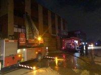 Başkent'te mobilya atölyesi yandı