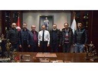 Süs tavuğu yetiştiricilerinden Ataç'a ziyaret