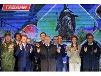 Putin, Kırım'da kutlamalara katıldı