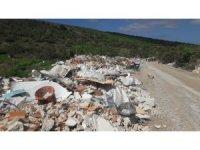 Datça'da doğaseverler çöp yığınlarıyla dolan derelerin temizlenmesini istiyor