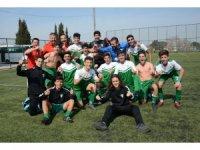 Manisa BBSK'li gençler şampiyonluk yolunda