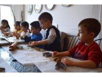 1000 yıllık Siyez buğdayı ile çocuklar hamur işi yaptı