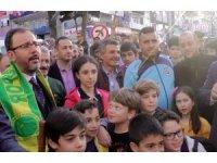 Bakan Kasapoğlu, Akçakoca'ya yüzme havuzu ve gençlik merkezi sözü verdi