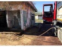 Yakıt sisteminde arıza çıkan araçların sayısı artınca kaçak akaryakıt deposu ortaya çıktı