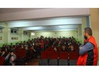 Kartal Belediyesi okullarda afet bilinci eğitimlerine devam ediyor