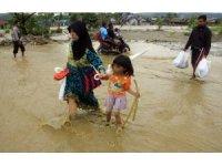 Endonezya'da ölü sayısı 104'e yükseldi