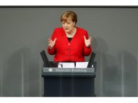 Merkel'den Brexit'in ertelenmesine destek
