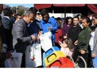 """Tunceli'de """"Sıfır Atık"""" projesi kapsamında pet şişe getirene bez çanta"""